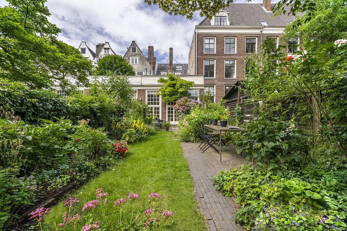 beginning june 15 private and public canal house gardens will be open to visitors - Amsterdam Garden