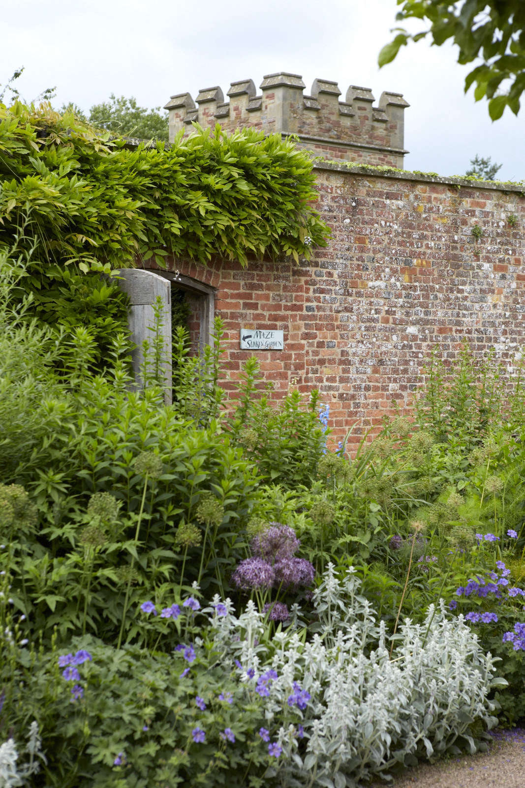 Ideas To Steal 10 Ways English Gardens Borrow From France