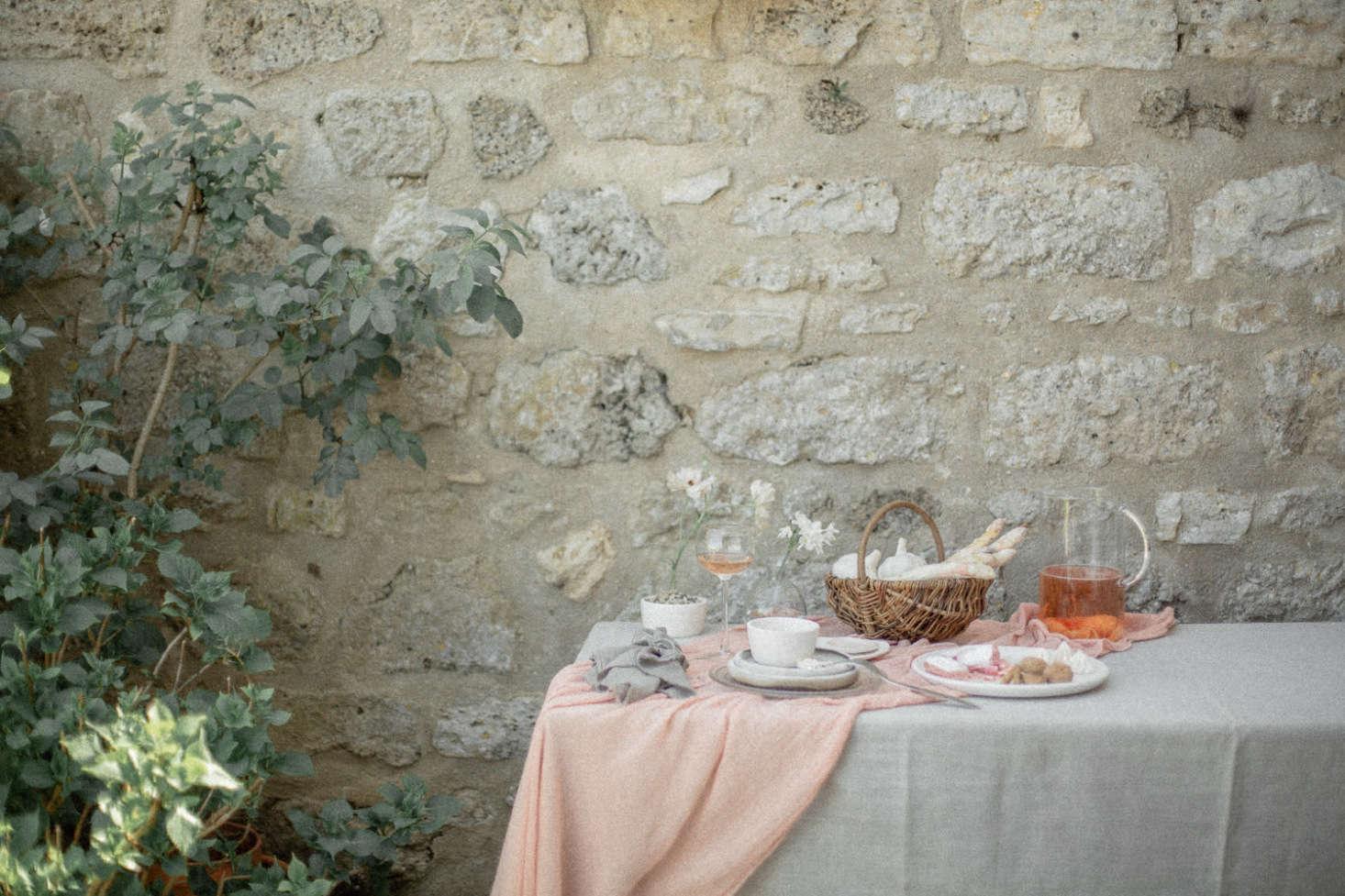 在意大利的一间意大利餐厅,一间酒吧,一片白酒,一套,在一系列的白薯上,我们都是个非常好的选择。
