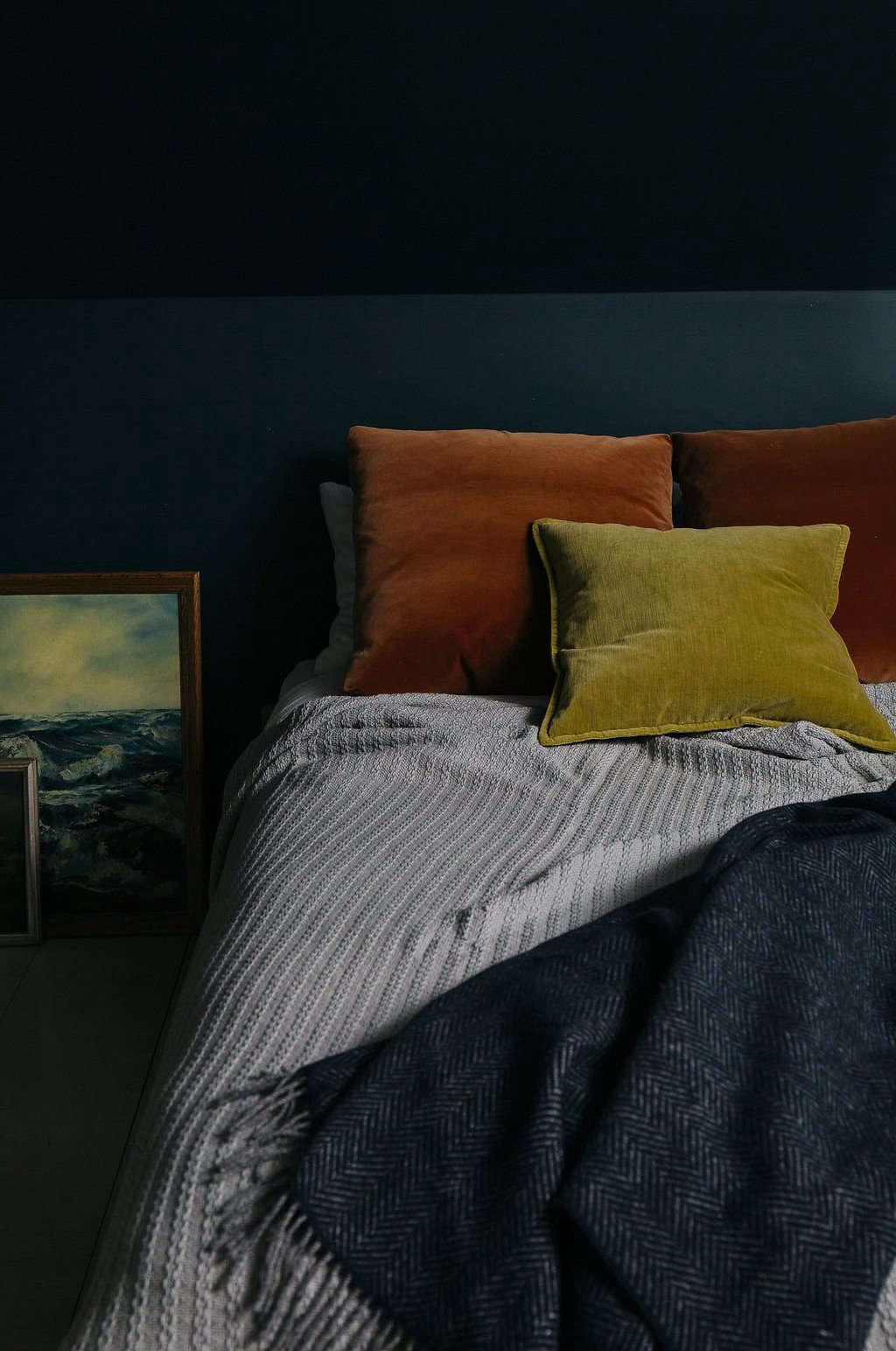 确保你的床和枕头很柔软,保持温暖。需要毯子吗?看着《爱丽丝》:爱丽丝·威尔伍德,在波特兰。