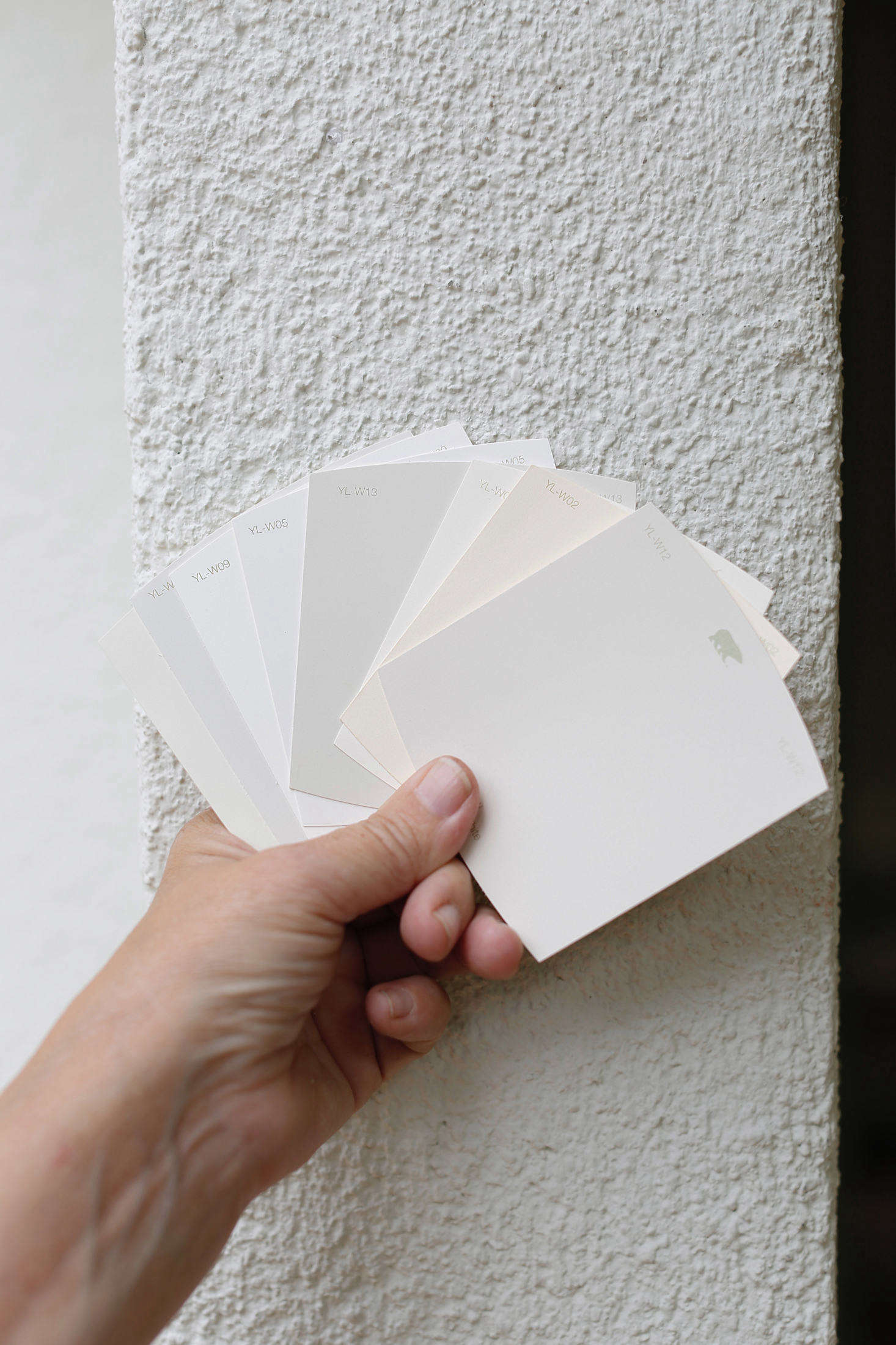 Curb Appeal A Paint Makeover For A Stucco House California Edition Gardenista