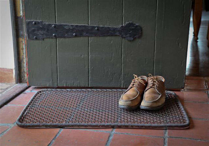8 Favorites Wire Mesh Doormats Gardenista