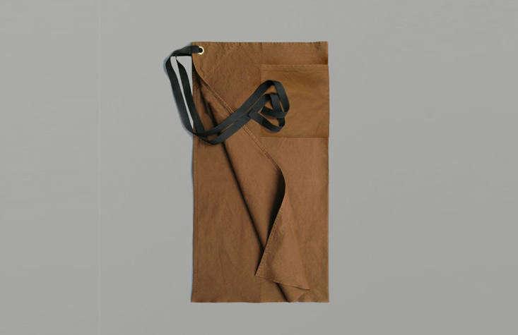 一个铁布的铁布和铁皮袋在一起,用铁布的铁布和铁锹,有很大的