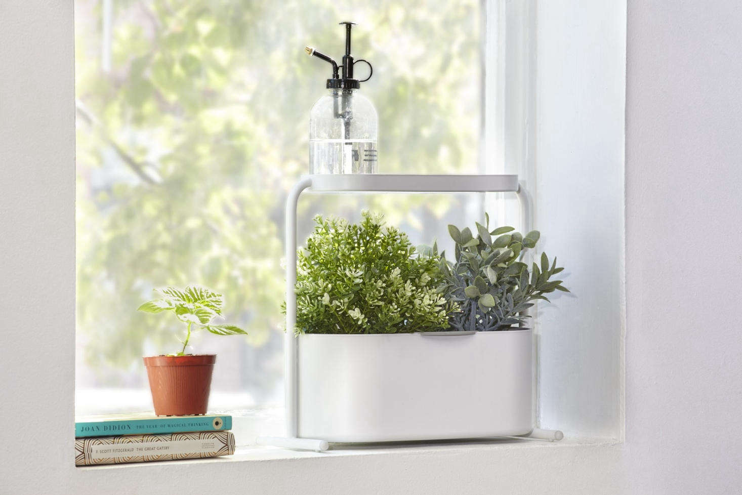The Umbra Giardino Indoor Herb Garden Set isn&#8