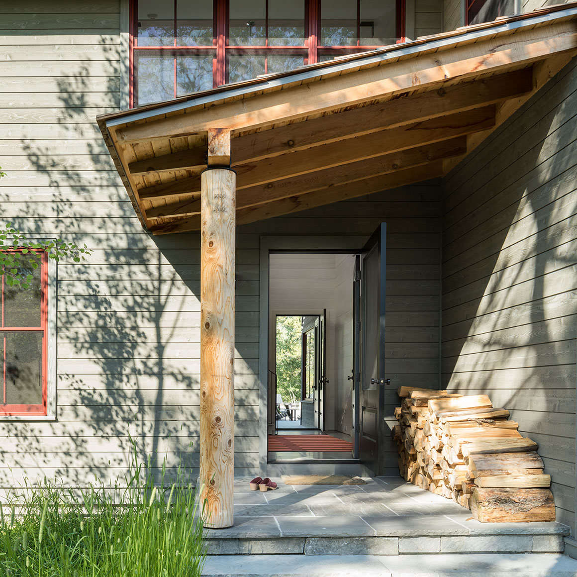 Architect Hope Dana of New York-based Platt Dana Architects cites wine red and warm gray as a favorite color combination. In the firm&#8