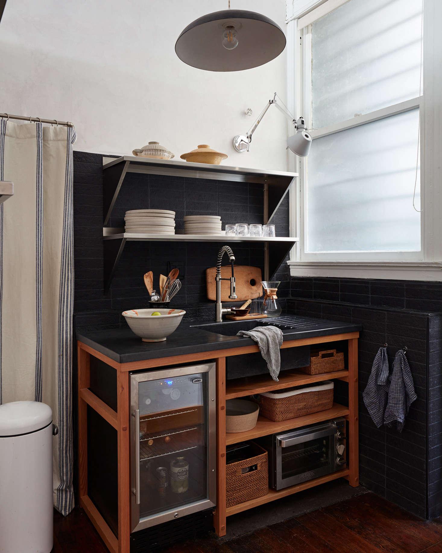 广告公司很明显,让他的办公室很大,而且设计了一个非常聪明的裁缝。根据K.K.K.K.K.K.K.K.K.A.,从这个小到了,这幅画是个小厨房的小把戏。