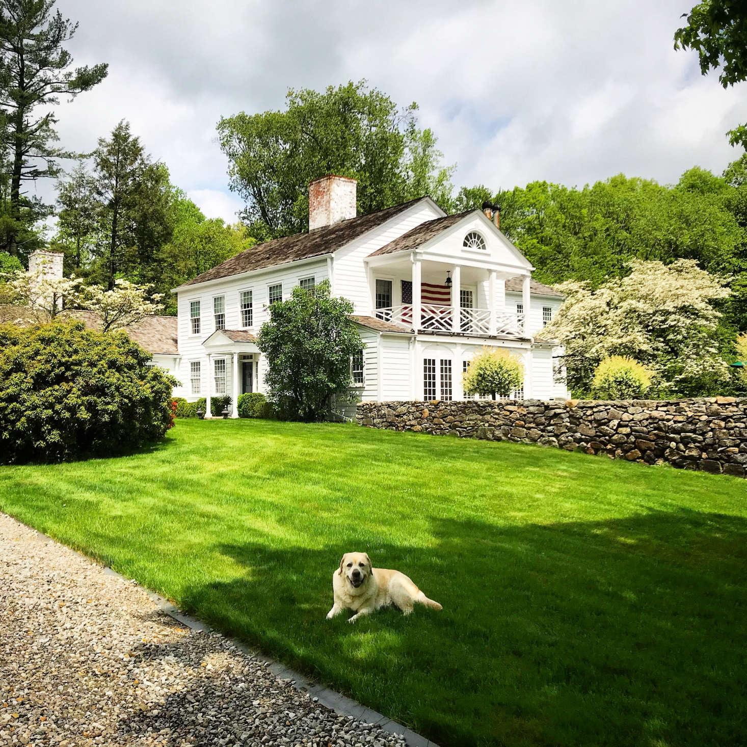 A Curb Appeal finalist in the 2018 Considered Design Awards, theQuintessential Connecticut Country Propertyin New Canaan, Connecticut, represents an updated take on a stately Connecticut farmhouse.