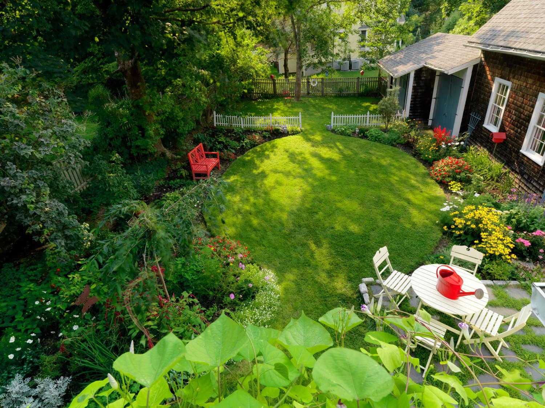 A Family-Friendly Backyard Makeover: Online Design + DIY ...
