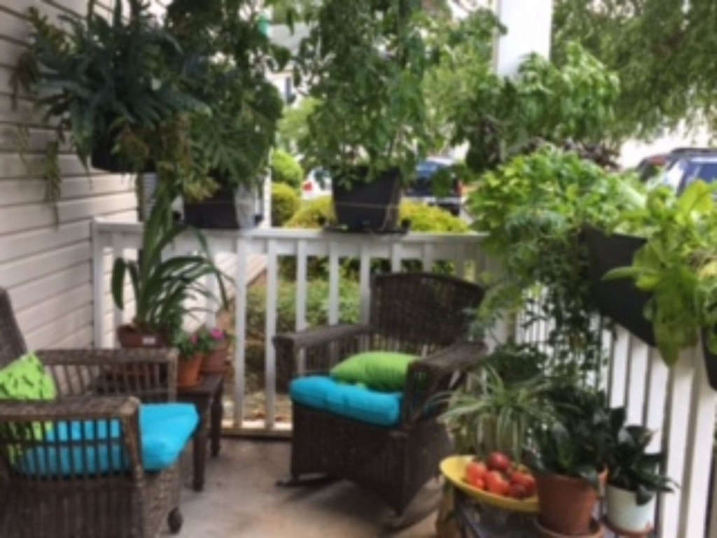 Lovely Small Space Container Patio Garden Apartment Space